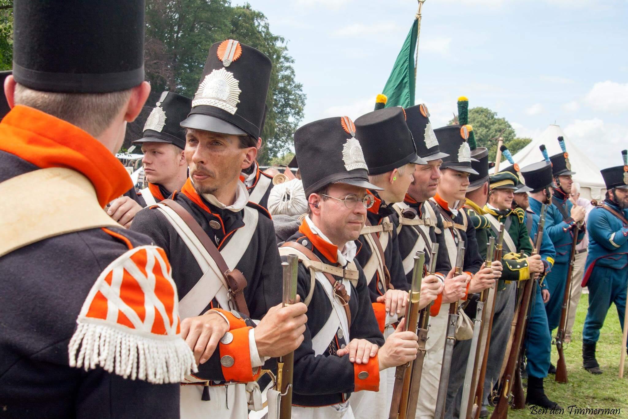 5e Bataljon Nationale Militie historisch kostuum