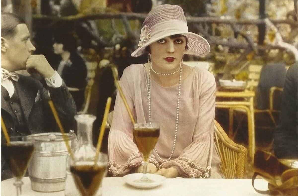 Paris 1927 Robes & Cloaks