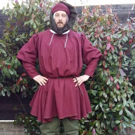 Marskramer Late middeleeuwen Robes & Cloaks Els van Leeuwen Yvette de Vries