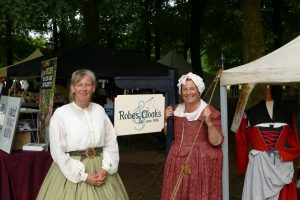 Robes & Cloaks Els van Leeuwen Yvette de Vries
